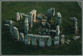 Stonehenge, a prehistoric monument in southern England, was built in several stages over thousands of years. Its precisely arranged circular design suggests that the area may have been associated with religious rituals linked to the summer solstice.